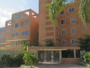 Apartamento En Alquiler En Caracas, Loma Linda, Venezuela, VE RAH: 17-6740