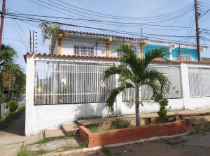 Casa En Venta En Ciudad Bolivar, Vista Hermosa Ii, Venezuela, VE RAH: 17-6755