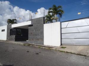 Casa En Venta En Caracas, La Lagunita Country Club, Venezuela, VE RAH: 17-7260