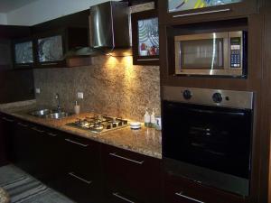 Apartamento En Venta En Valencia, La Trigaleña, Venezuela, VE RAH: 17-6778