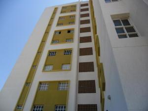 Apartamento En Venta En Maracaibo, Avenida Goajira, Venezuela, VE RAH: 17-6771