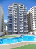 Apartamento En Venta En Parroquia Caraballeda, Caribe, Venezuela, VE RAH: 17-6760