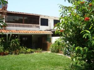 Casa En Venta En Municipio San Diego, Parqueserino, Venezuela, VE RAH: 17-6942