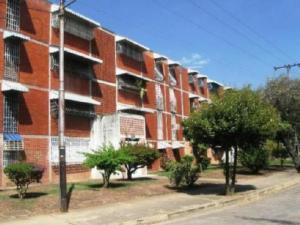 Apartamento En Venta En Maracay, Fundacion Maracay Ii, Venezuela, VE RAH: 17-6811