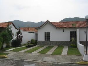 Townhouse En Venta En Municipio San Diego, La Cumaca, Venezuela, VE RAH: 17-6857