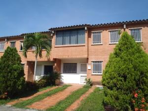 Townhouse En Venta En Guatire, Terrazas De Buena Ventura, Venezuela, VE RAH: 17-6835