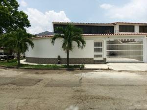 Casa En Venta En Valencia, Trigal Norte, Venezuela, VE RAH: 17-6836