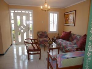 Townhouse En Venta En Maracaibo, Circunvalacion Dos, Venezuela, VE RAH: 17-6845