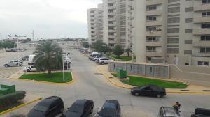 Apartamento En Ventaen Maracaibo, Avenida Milagro Norte, Venezuela, VE RAH: 17-6864