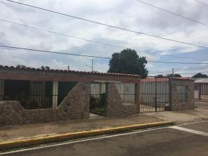 Casa En Venta En Maracaibo, La Victoria, Venezuela, VE RAH: 17-6868