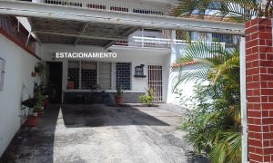 Casa En Ventaen Caracas, Cumbres De Curumo, Venezuela, VE RAH: 17-6866