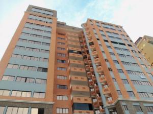 Apartamento En Venta En Valencia, La Trigaleña, Venezuela, VE RAH: 17-6881
