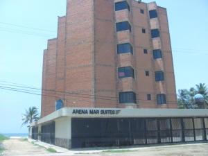 Apartamento En Venta En Tucacas, Tucacas, Venezuela, VE RAH: 17-6856