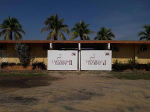 Edificio En Venta En Cabimas, Zulia, Venezuela, VE RAH: 17-6930