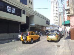 Local Comercial En Venta En Valencia, Centro, Venezuela, VE RAH: 17-6951