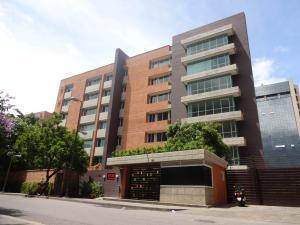 Apartamento En Venta En Caracas, Campo Alegre, Venezuela, VE RAH: 17-6958