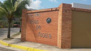 Townhouse En Venta En Municipio San Diego, La Cumaca, Venezuela, VE RAH: 17-7036