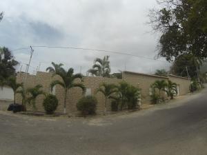 Casa En Venta En Parroquia Caraballeda, Palmar Este, Venezuela, VE RAH: 17-6969