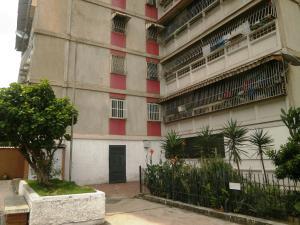 Apartamento En Venta En Guarenas, Menca De Leoni, Venezuela, VE RAH: 17-6979