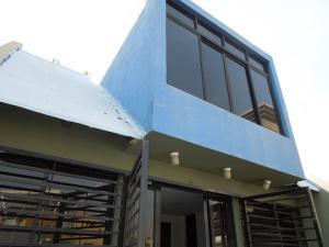 Casa En Alquiler En Lecheria, Complejo Turistico El Morro, Venezuela, VE RAH: 17-6981