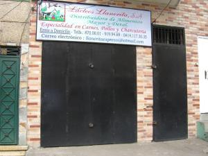 Local Comercial En Venta En Caracas, Catia, Venezuela, VE RAH: 17-7017
