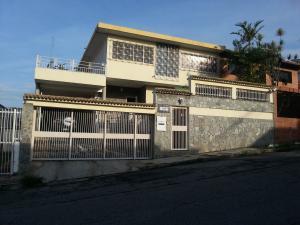 Casa En Venta En Caracas, El Marques, Venezuela, VE RAH: 17-6871