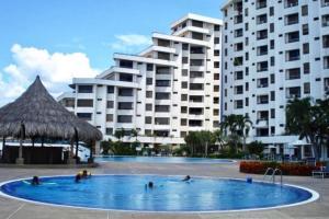 Apartamento En Alquiler En Lecheria, Venecia, Venezuela, VE RAH: 17-7012