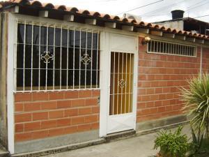 Casa En Venta En Cagua, Prados De La Encrucijada, Venezuela, VE RAH: 17-7016