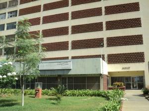 Apartamento En Venta En Parroquia Caraballeda, Caribe, Venezuela, VE RAH: 17-7020