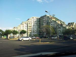 Apartamento En Venta En Maracaibo, Pomona, Venezuela, VE RAH: 17-7023