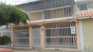 Casa En Venta En Maracaibo, San Jacinto, Venezuela, VE RAH: 17-7050
