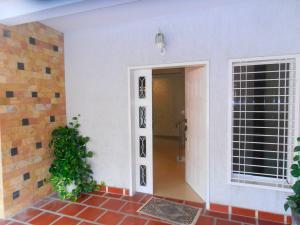 Casa En Venta En Maracay, Villas Ingenio I, Venezuela, VE RAH: 17-7053