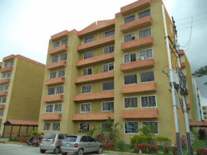 Apartamento En Venta En Municipio San Diego, Monteserino, Venezuela, VE RAH: 17-7076