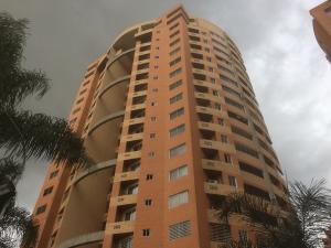 Apartamento En Venta En Valencia, Valle Blanco, Venezuela, VE RAH: 17-7093