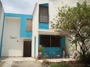 Casa En Venta En Municipio San Diego, La Esmeralda, Venezuela, VE RAH: 17-7126