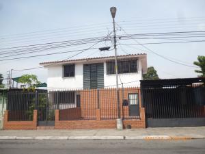 Casa En Venta En Maracay, Fundacion Mendoza, Venezuela, VE RAH: 17-7141