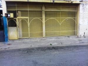 Local Comercial En Venta En Maracay, San Carlos, Venezuela, VE RAH: 17-7142