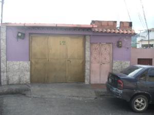 Casa En Venta En Caracas, Antimano, Venezuela, VE RAH: 17-7180