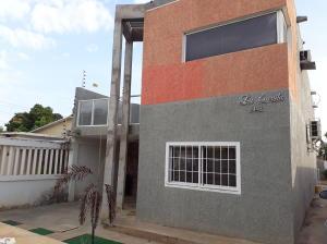 Casa En Venta En Cabimas, Delicias Vieja, Venezuela, VE RAH: 17-7194