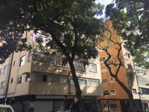 Apartamento En Venta En Caracas, Colinas De Bello Monte, Venezuela, VE RAH: 17-7201