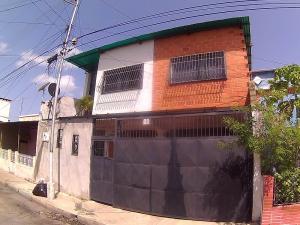 Casa En Venta En Maracay, San Jose, Venezuela, VE RAH: 17-7206