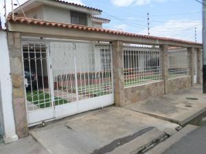 Casa En Venta En Barcelona, Urdaneta, Venezuela, VE RAH: 17-7252