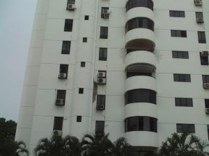 Apartamento En Venta En Valencia, Agua Blanca, Venezuela, VE RAH: 17-7253