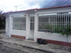 Casa En Venta En Palo Negro, Conjunto Residencial Palo Negro, Venezuela, VE RAH: 17-7250