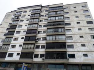Apartamento En Venta En Caracas, La Carlota, Venezuela, VE RAH: 17-7258