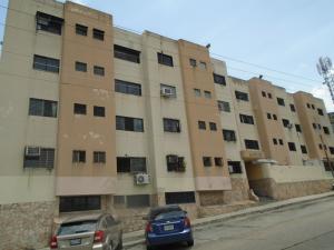 Apartamento En Venta En Valencia, Los Colorados, Venezuela, VE RAH: 17-7542