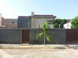 Casa En Venta En Maracaibo, Zona Norte, Venezuela, VE RAH: 17-7313