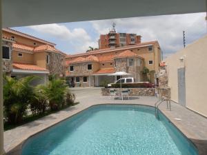 Casa En Venta En Maracay, San Jacinto, Venezuela, VE RAH: 17-7320
