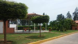Townhouse En Venta En Maracaibo, Via La Concepcion, Venezuela, VE RAH: 17-7327