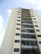 Apartamento En Venta En Valencia, Valles De Camoruco, Venezuela, VE RAH: 17-7328